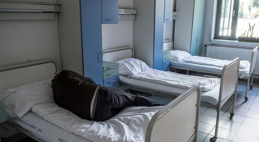 Nem lehet erre szavakat találni: csúnyán megaláztak egy idős bácsit ebben a magyar kórházban csak azért, mert kevés pénze volt!