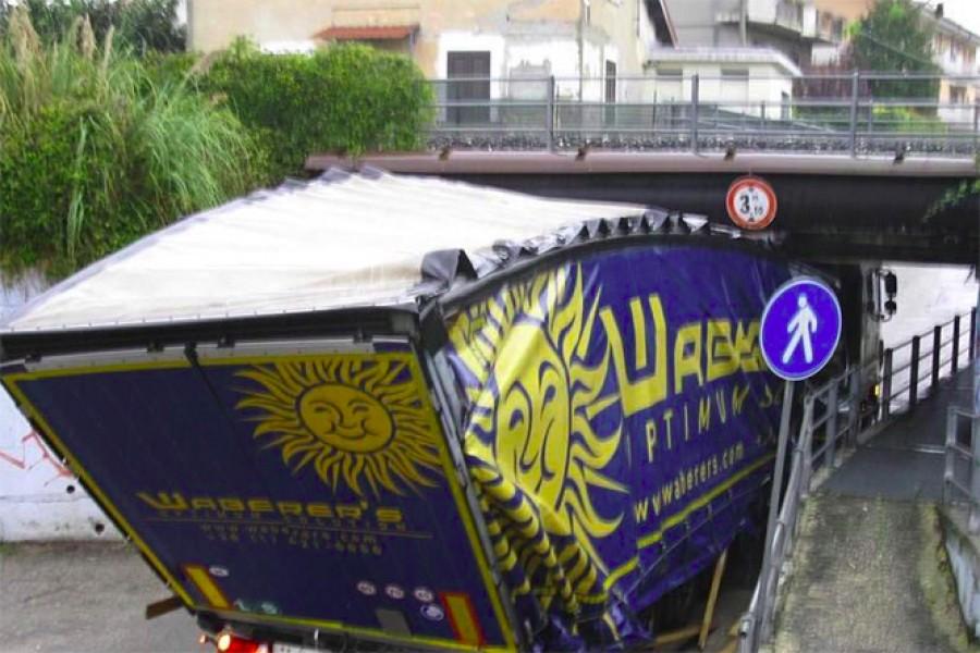 Hihetetlen: egy magyar kamionoson szörnyülködik az egész internet, ezt hogy lehetett benézni?
