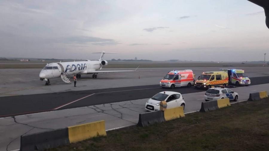 Tragédia: hiába küzdöttek az életéért - elhunyt a repülőn rosszul lett négy és fél éves gyermek