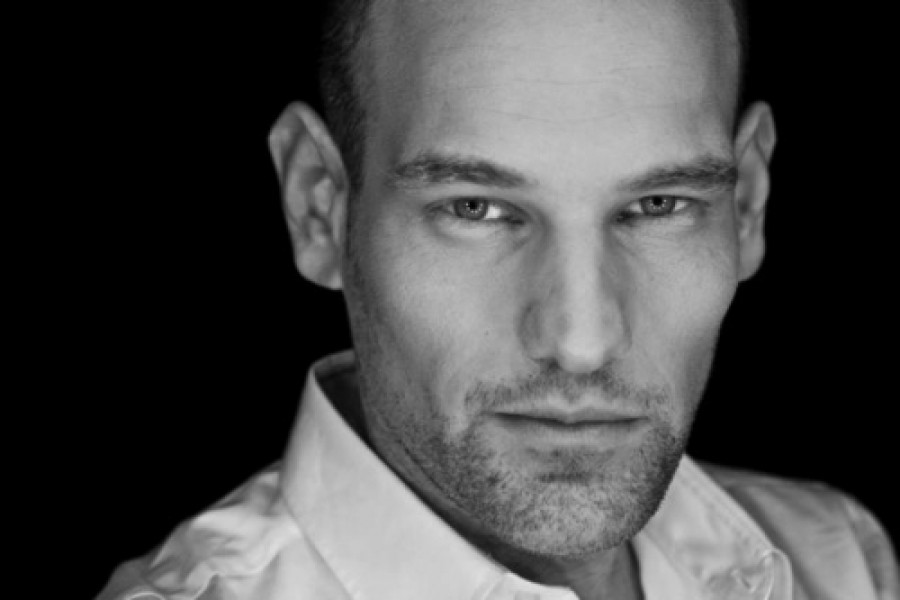 Szomorú hír: balesetet szenvedett az ismert magyar énekes