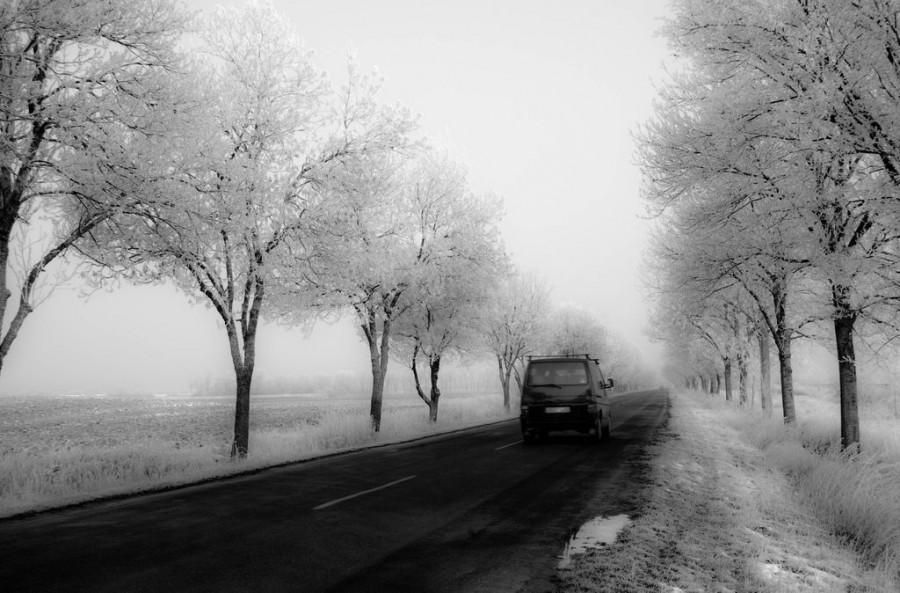 Kiadta a figyelmeztetést az OMSZ: szombattól érkezik a tél az utakon