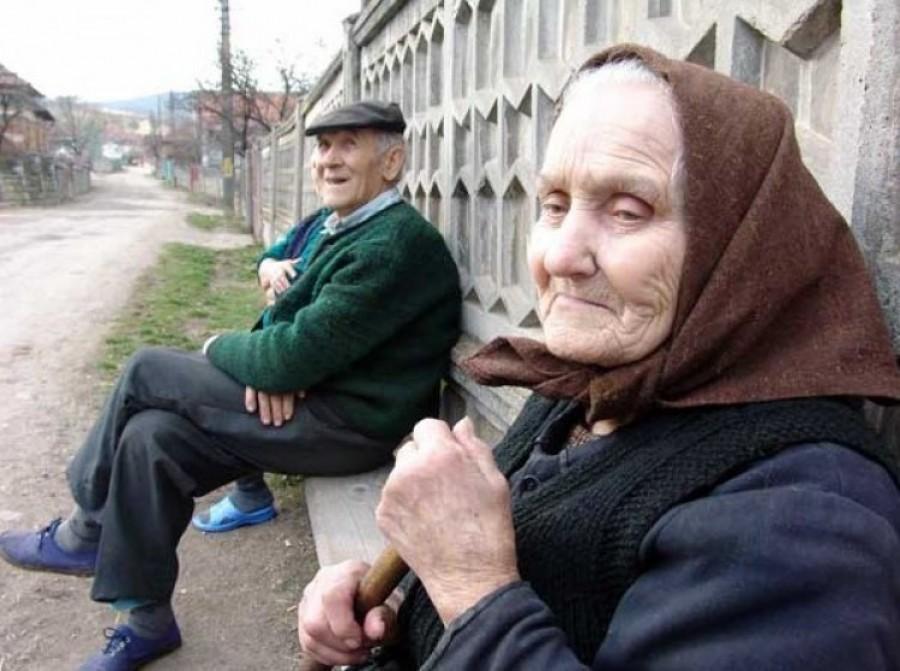 Szomorú hír érkezett: Az alacsony pénzű nyugdíjasoknak, nem emelik az öregségi minimumot