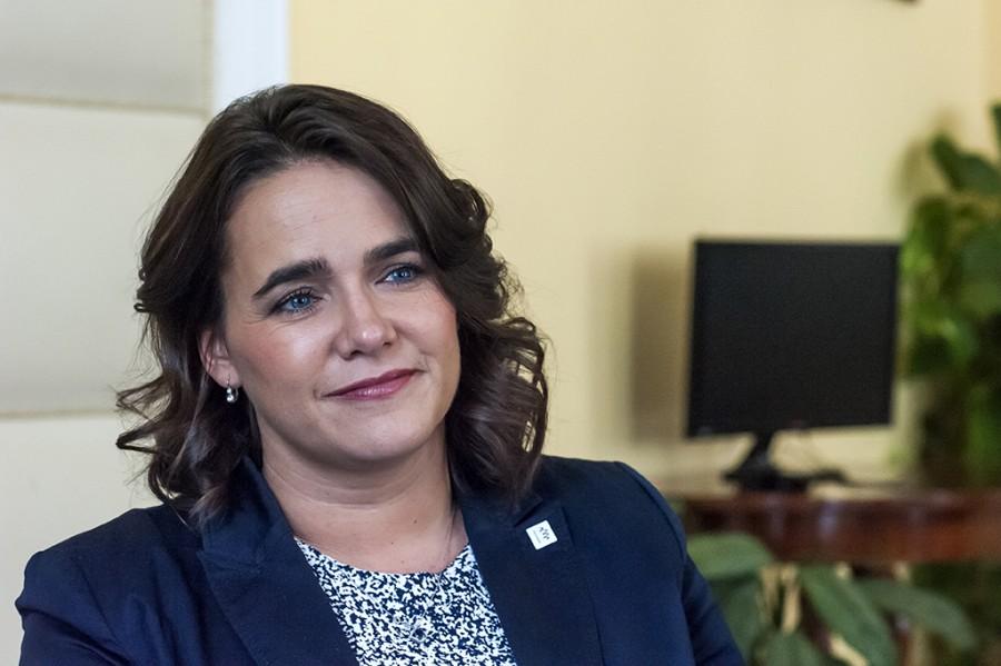 Nagyon jó hírt közölt Novák Katalin! Élethosszon át tartó SZJA-mentesség a háromgyerekes anyáknak! Ön mit szól ehhez?