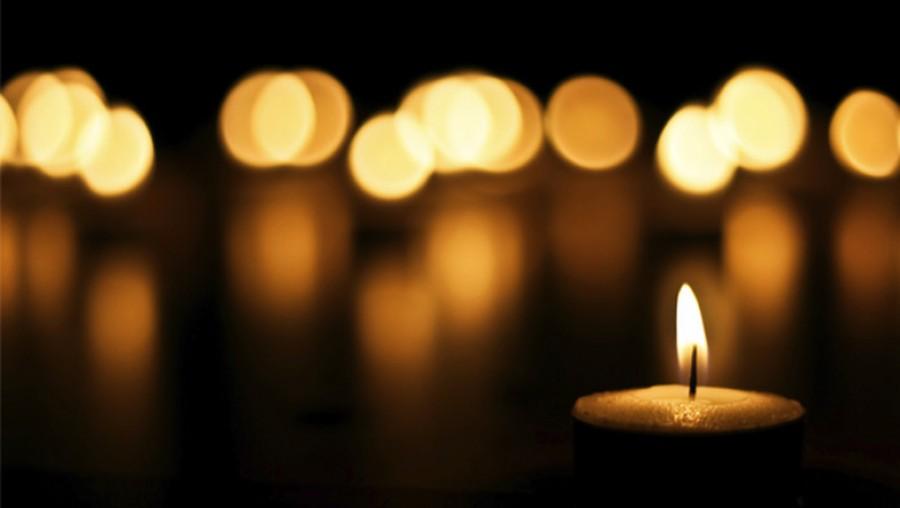 Tragikus hír érkezett, szívroham érte és elhunyt a legendás énekes