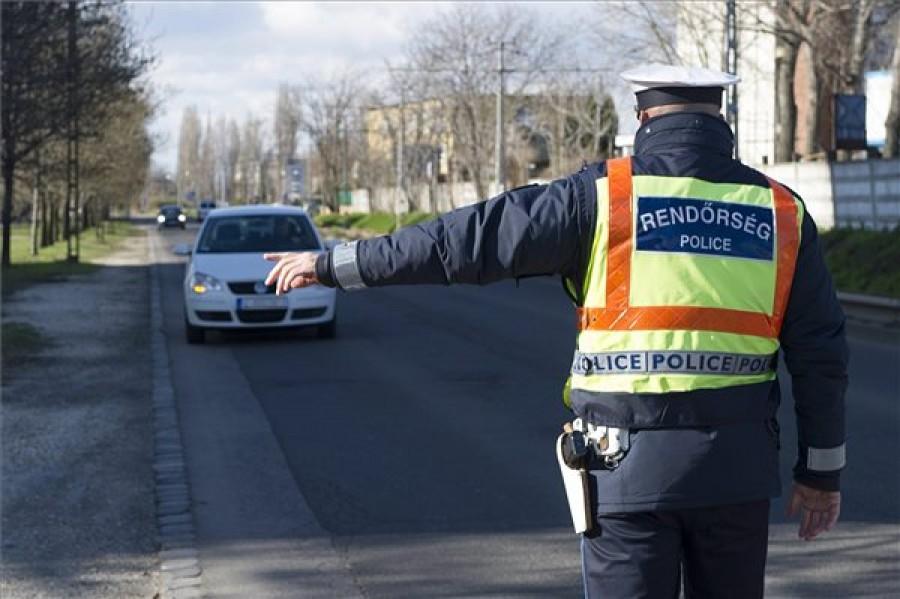 Fontos figyelmeztetés: Hatalmas razzia kezdődik a magyar utakon, bárkit megállíthatnak