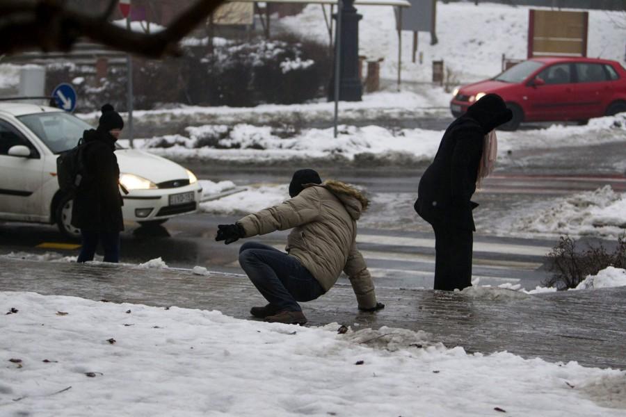 Friss előrejelzés: Ekkor csap le ránk a hidegfront és az ónos eső