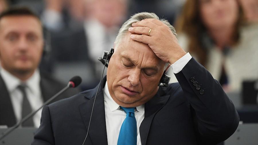 Megdöbbentő nyilatkozat Orbán Viktortól: Minden reggel azzal kelek, hogy derékon vágnak, hogy valahol megtámadnak