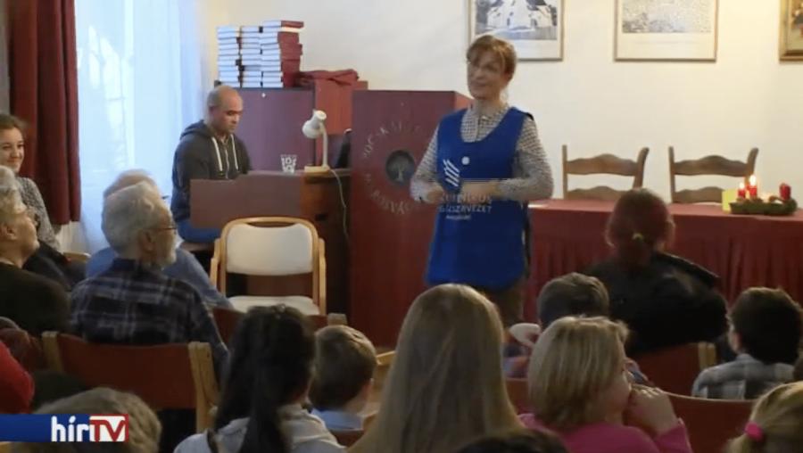 Felháborító: Lévai Anikó 4 tonna ajándékot ajándékozott az erdélyi és csángó szegényeknek! Nyomj egy megosztást, ha szerinted is felháborító