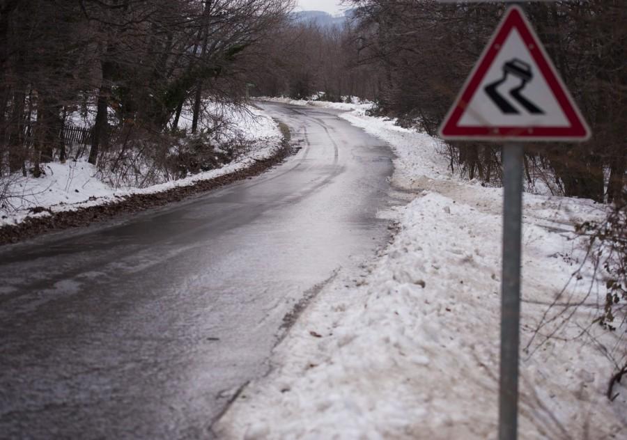 Figyelmeztetést adott ki az OMSZ ónos eső miatt, ezekre a megyékre