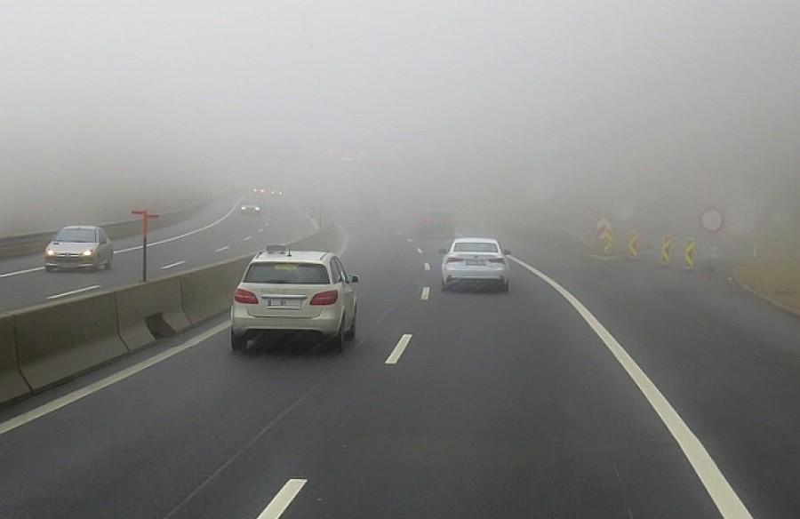 Friss előrejelzés: Ködös, felhős, esős napok várhatóak, érdemes felkészülni a rossz közlekedési körülményekre