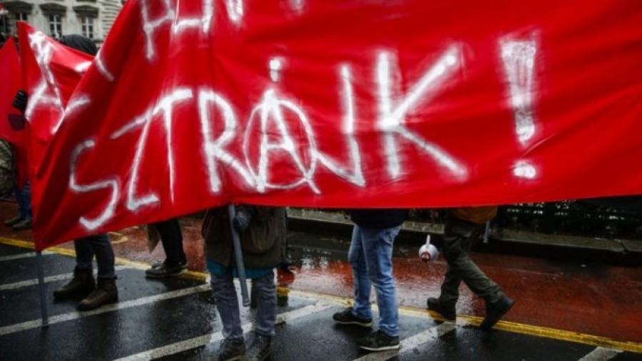 Hatalmas sztrájk készül: akár 900 ezer dolgozó is abba hagyhatja a munkát