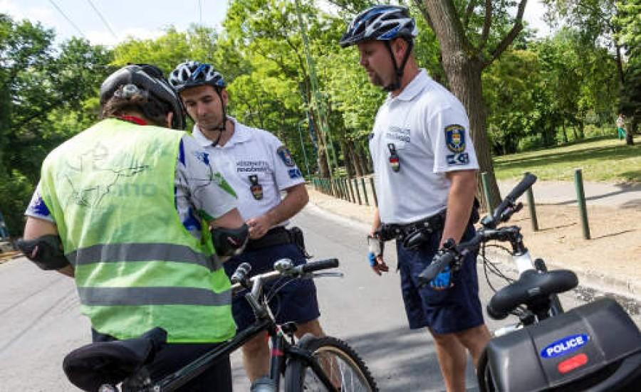 Nincs kibúvó: kötelező lesz a jogosítvány a bicikliseknek! Jön a kerékpáros jogsi! Ti egyetértetek az új törvényjavaslattal?