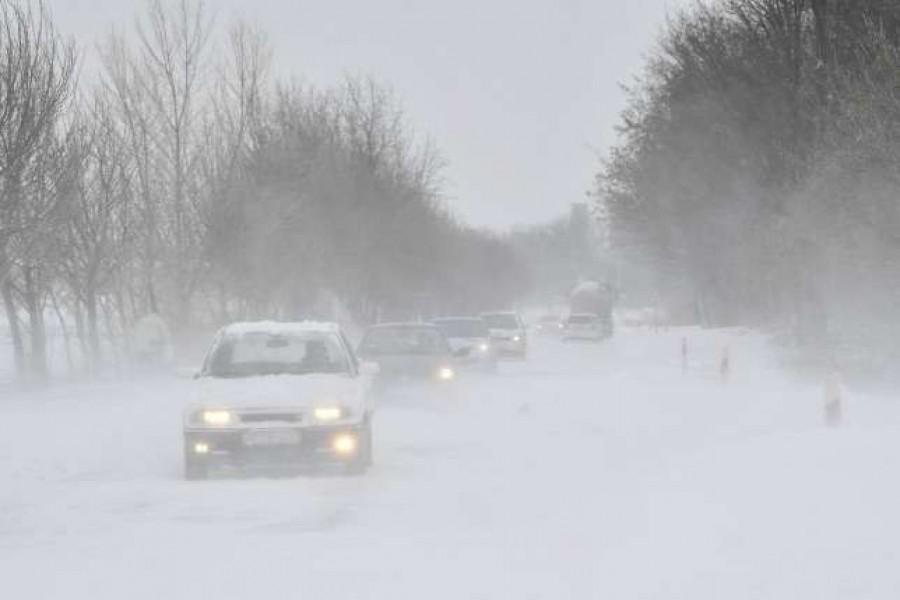 Hirtelen hidegfront támadja meg az országot: Havazás érkezik, több megyére figyelmeztetést adtak ki
