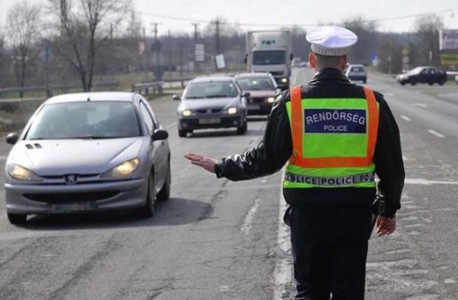 Autósok figyelem! Egy fontos hiányosság miatt büntetnek a rendőrök