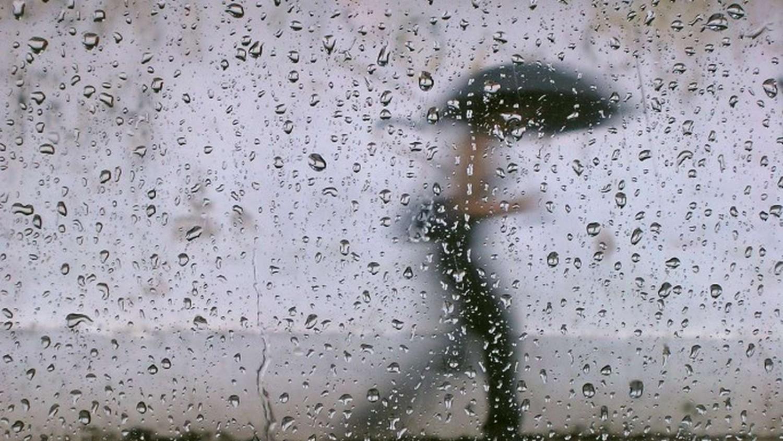 Ketté válik az ország! Mutatjuk hol várható durva esőzés és lehűlés: