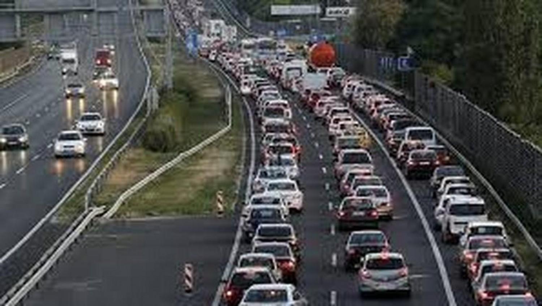 Nagyon durva a dugó az M0-áson: baleset miatt áll a forgalom