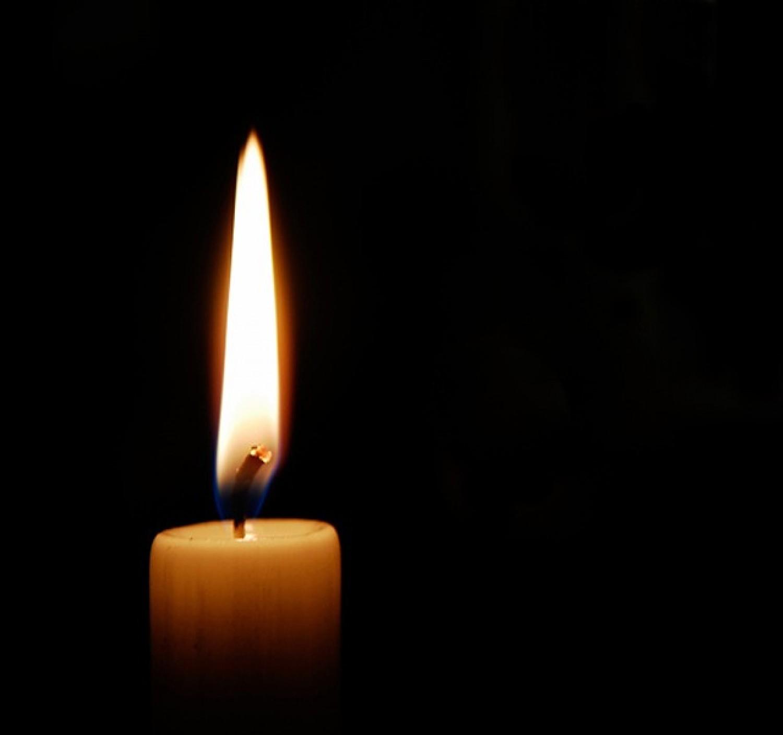 Gyászhír: tragikusan fiatalon elhunyt a fiatal műsorvezető