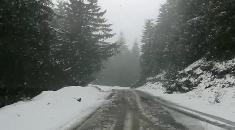 Ezt neked is látnod kell: Szomszédban már szakad a hó - videó
