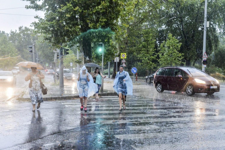 Szétázunk csütörtökön: mutatjuk, merre fog esni a legtöbb eső az országban