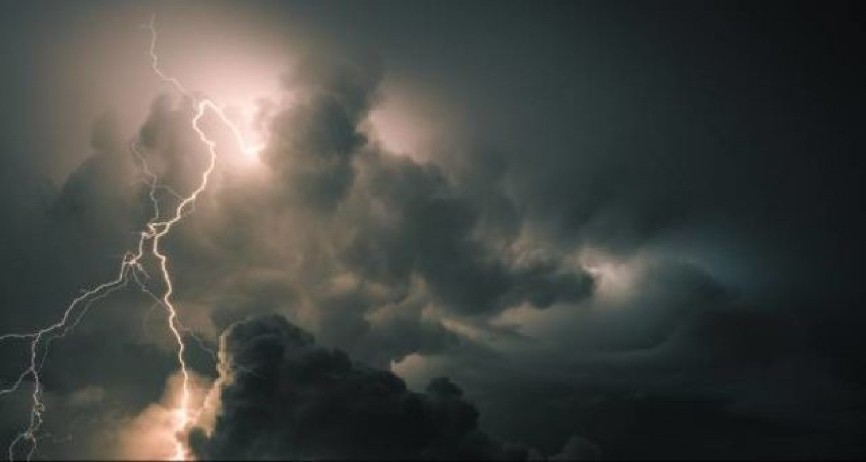 Vészjelzést adtak ki: Csütörtök este és pénteken brutális vihar lesz – jégeső és orkán erejű szél várható