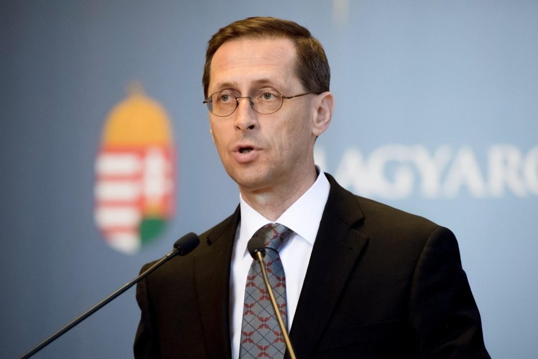 Hatalmas Örömhír: Nagyobb összegű FÁJDALOMDÍJ JÖN a bankszámlákra az ÁLLAMTÓL több százezer magyarnak! Könnyen lehet, hogy hamarosan a TE BANKSZÁMLÁDON IS ott lesz AZ egyösszegű 350 ezer forintos FÁJDALOMDÍJ!
