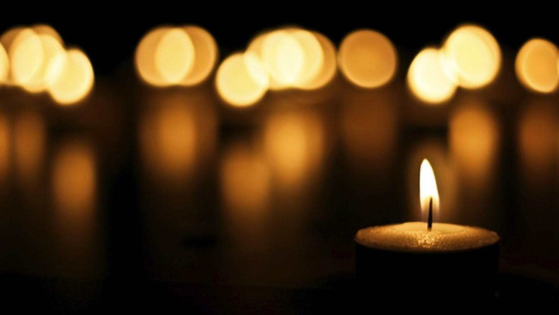Tragikus  hírrel indult a hétfő: A színpadon halt meg a legendás énekes