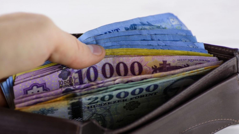 Nagyon jó hír jött! Több helyen fog 36 ezer forinttal kopogtatni a postás! EKKOR ÉRKEZIK A pénz:
