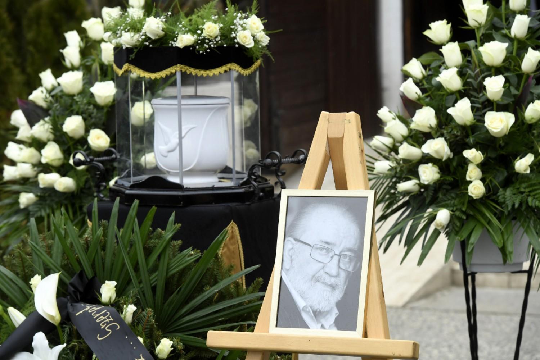 Szívszorító: Megrázó pillanatok Andorai Péter temetésén