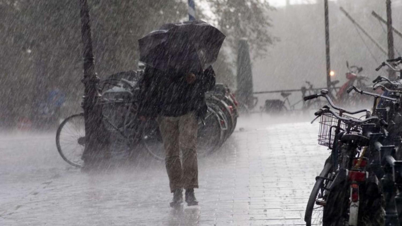 Friss: érkezik a vihar, az egész országra figyelmeztetést van érvényben