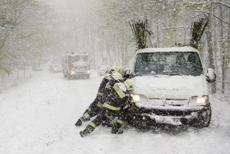 Mutatjuk melyik nap érkezik a hó! Megjön az idei ősz nagy havazása! Mutatjuk melyik részeken lehetnek fehérek az utcák