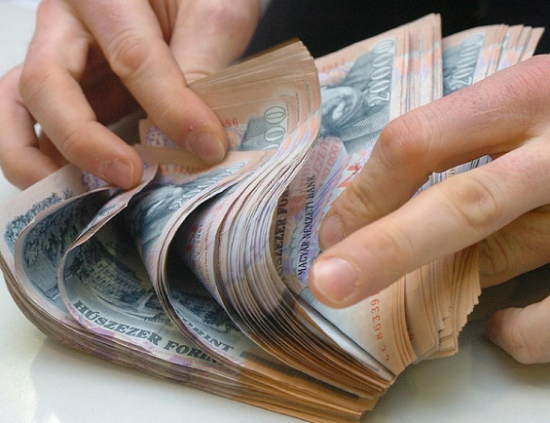 Hatalmas öröm: 98 ezer forint EGYSZERI, KIVÉTELES CSALÁDI pénz gyermekenként egy évben egyszer!