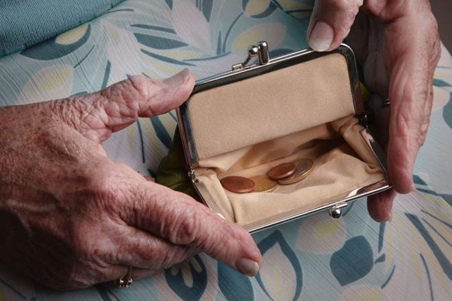 Nyugdíjasok! Ébresztő! Egy kisnyugdíjas nyílt levele a Miniszterelnöknek.