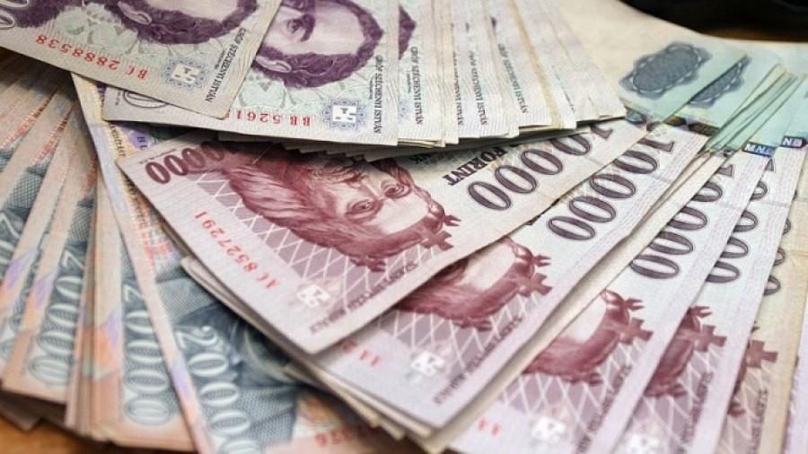 Friss! 115 ezer forintos támogatás 1,2,3,4 gyermekes családoknak júliustól- idén nyáron sokkal több pénzt kaphatnak a szülők!