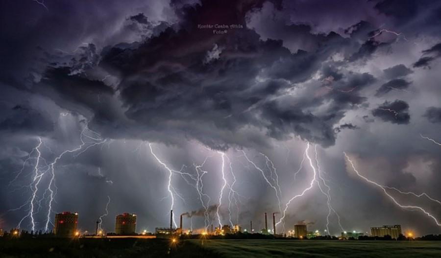 Jégeső, villámárvizek, kárt okozó szél, zivatar jön ma!Riasztást adott ki az OMSZ! Erre készüljetek! Mutatjuk melyik megyében mi várható!