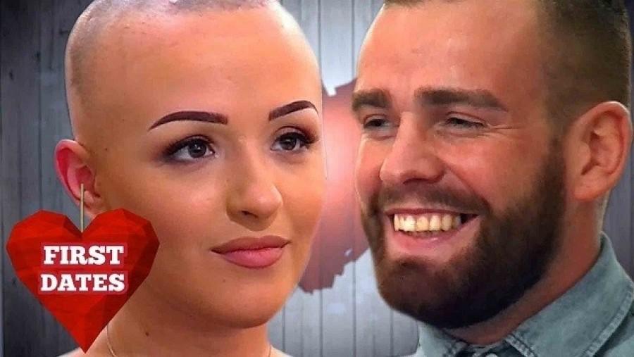 Az első randin bevallotta, hogy parókát hord. A srác reakciója meghódította az internetet!