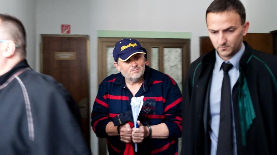 Az ügyészség szerint Galambos Lajos ennyi éve lopja az áramot!
