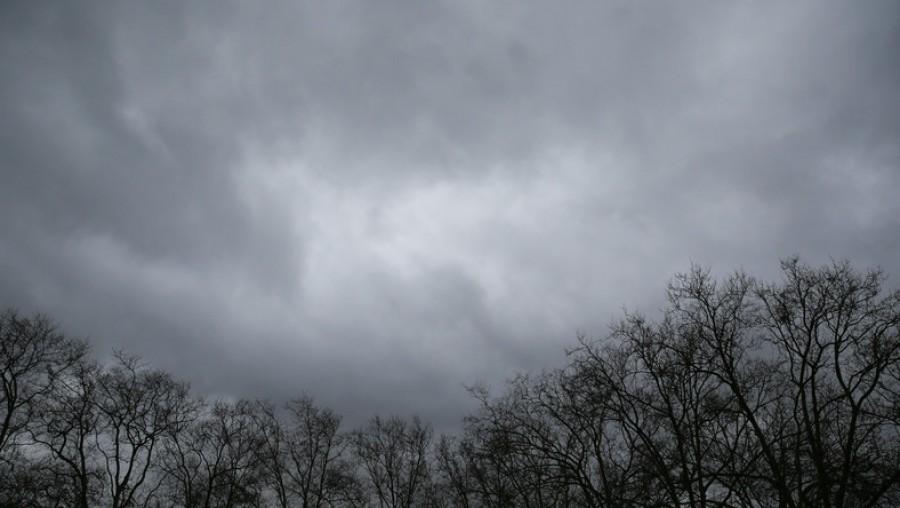 Friss időjárási figyelmeztetés: jégeső és vihar jön az alábbi terüteken!