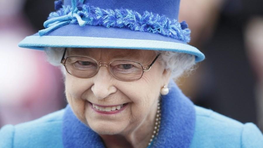 Kitálalt az egykori séf. Több káros szenvedélye is van Erzsébet királynőnek.