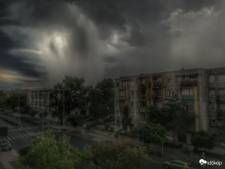 Brutális vihar csapott le, lehet most feléd tart!