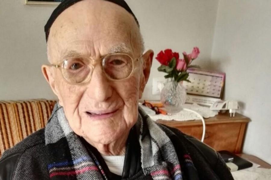 Elhunyt a világ legidősebb férfija! Nem fogod kitalálni hány éves volt!
