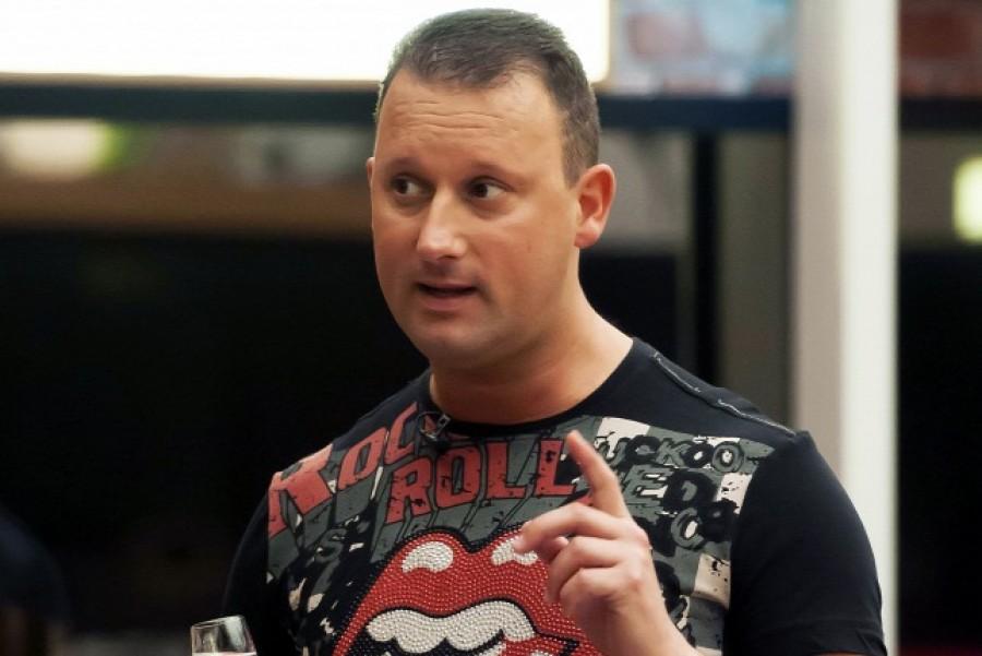Komoly lépés: Erre készül Alekosz a TV2 és Hajdú Péter ellen