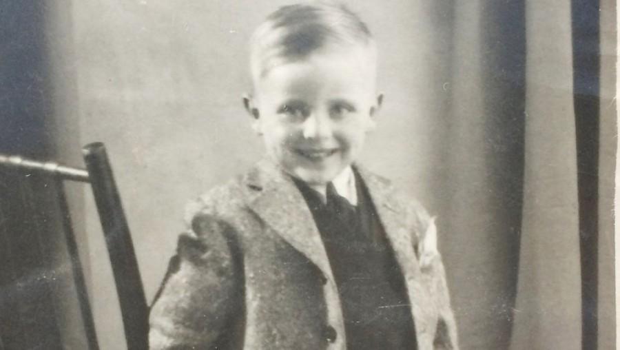 Édesanyja fiókjában talált egy borítékot 1955-ből, ám arra ami abban volt, kicsit sem volt felkészülve