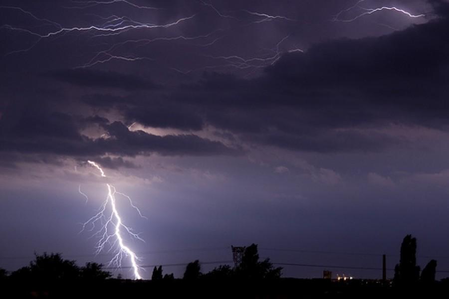 Figyelem! Olyan kemény vihar szakad a nyakunkba, hogy a szakemberek már most figyelmeztetnek!