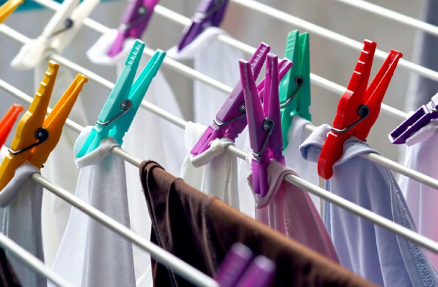 Te sem szeretsz vasalni? Akkor most mutatunk egy trükköt: így terítsd ki a ruhákat, hogy ne kelljen vasalnod