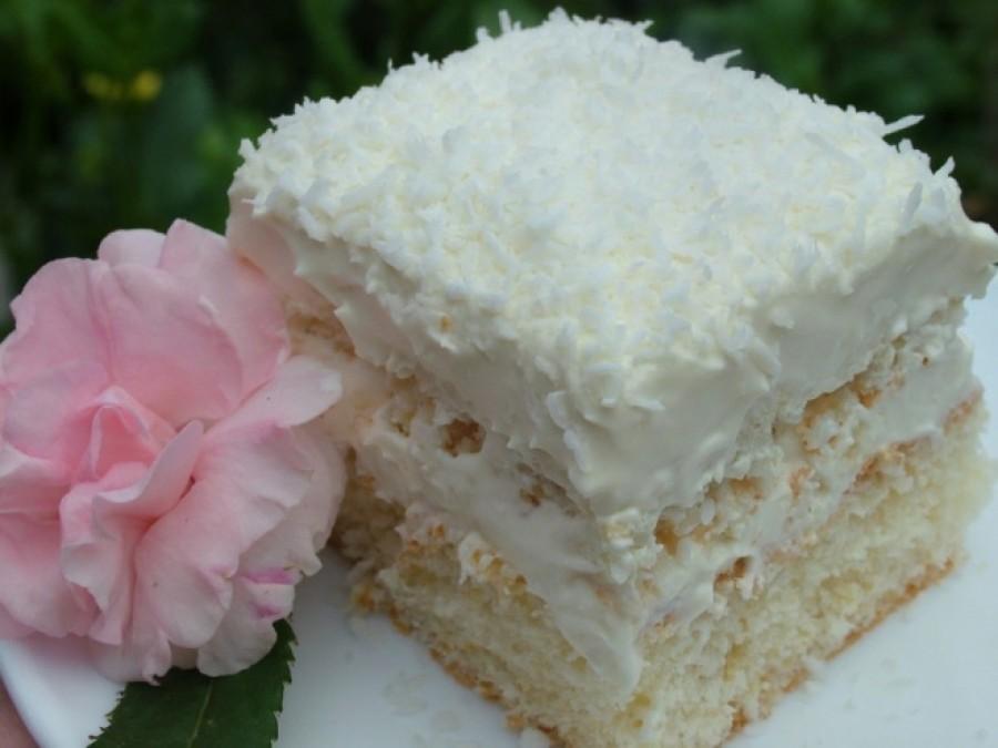 Habos Raffaello szelet, nagyon fincsi, ennek a sütinek képtelenség ellenállni, kókuszos mámor!