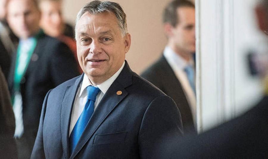 Orbán Viktor hatalmas örömhírt jelentette be: Ők kapnak ajándékot idén