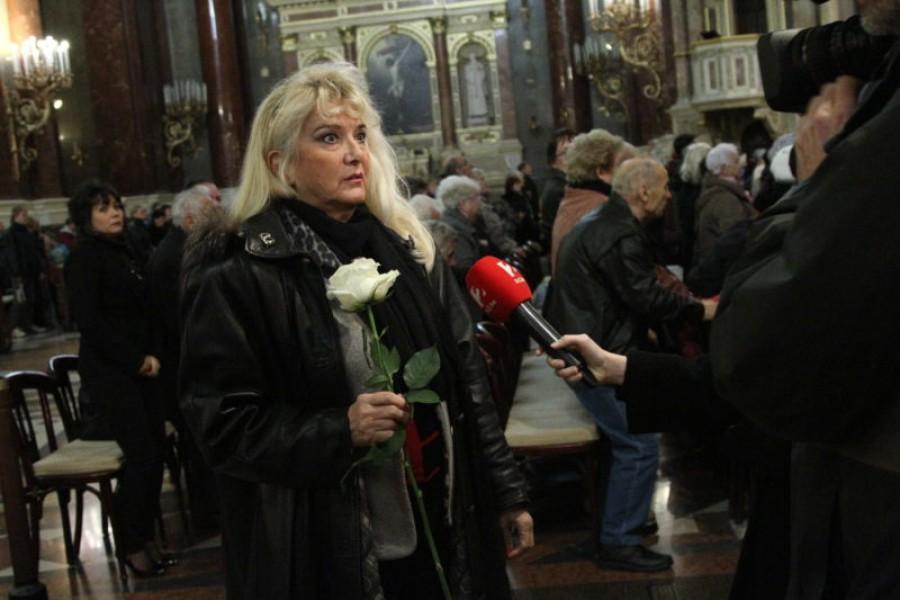 Botrány Aradszky László temetésén: Karda Bea reagált az őt ért vádakra