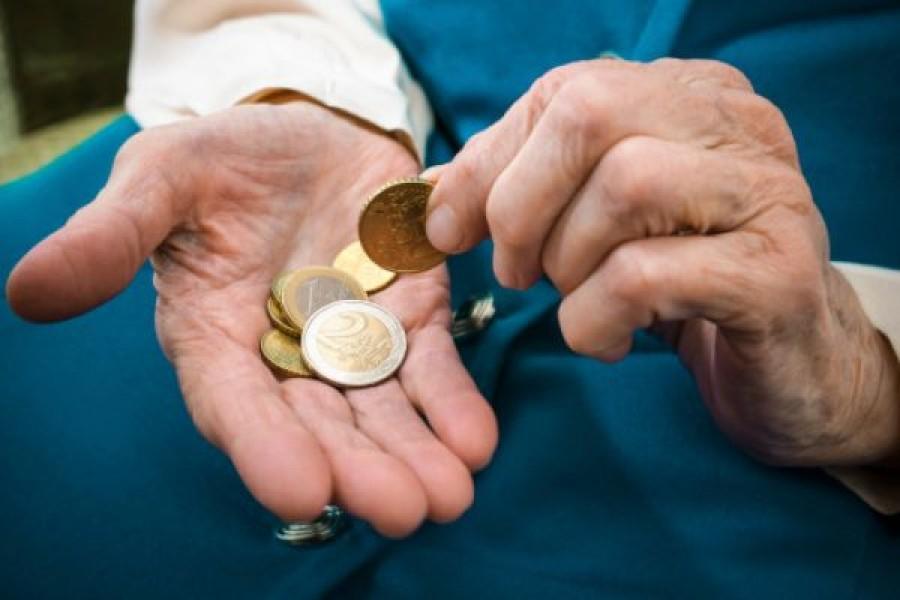 Figyelem nyugdíjasok: 50%-al kevesebb nyugdíjat kaphat kézhez , mint amire készülnek! Többen meglepődhetnek, mikor megkapják a nyugdíjukat!