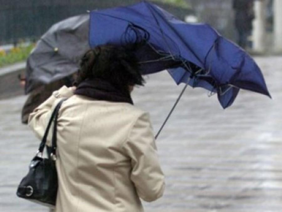 Friss! Kiadták a riasztást: viharos széllel érkezik az eső