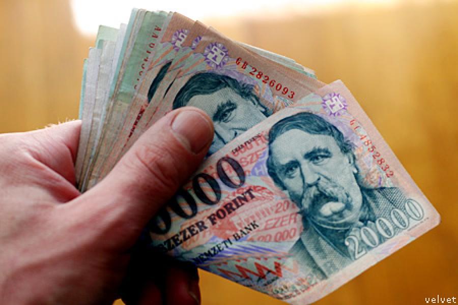 Hatalmas örömhír érkezett: Magasabb lesz a nyugdíjemelés, mint amire számítottak! 55-58 ezer forinttal kapnak több pénzt a magyar nyugdíjasok!